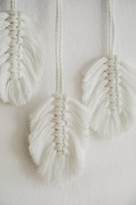wandbehang, federn, boho_deko, makramee, deko_ leihen, ausgeschmückt, hochzeitsdeko_rostock,
